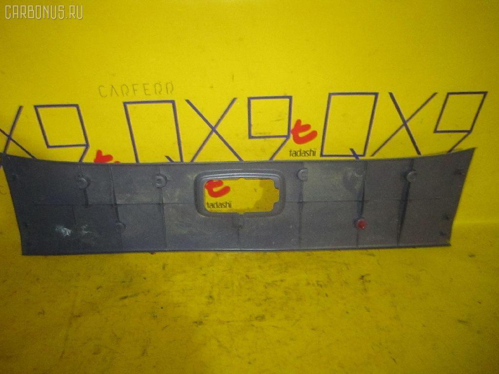 Обшивка багажника TOYOTA HILUX SURF RZN185W. Фото 2