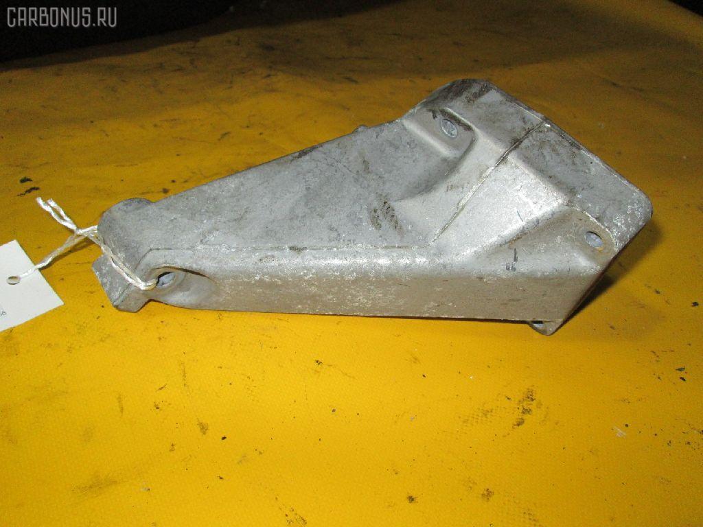 Крепление подушки ДВС MERCEDES-BENZ C-CLASS  W203.035 111.951 Фото 1