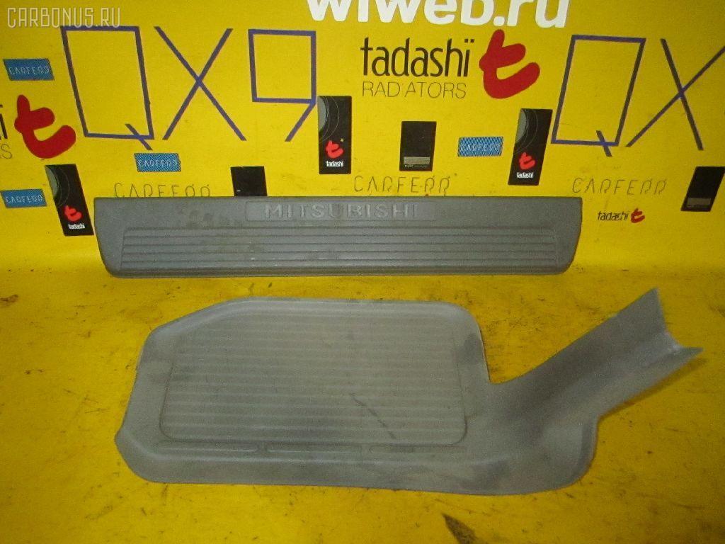 Накладка на порог салона Mitsubishi Pajero V75W Фото 1