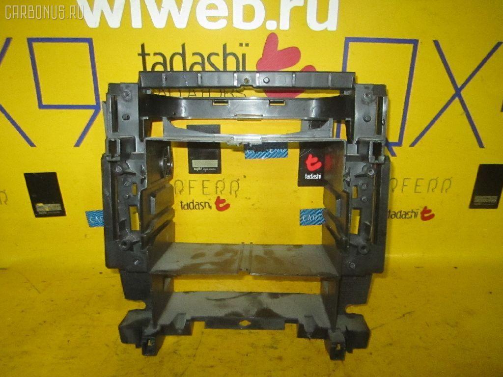 Крепление магнитофона MERCEDES-BENZ C-CLASS W203.061 Фото 1
