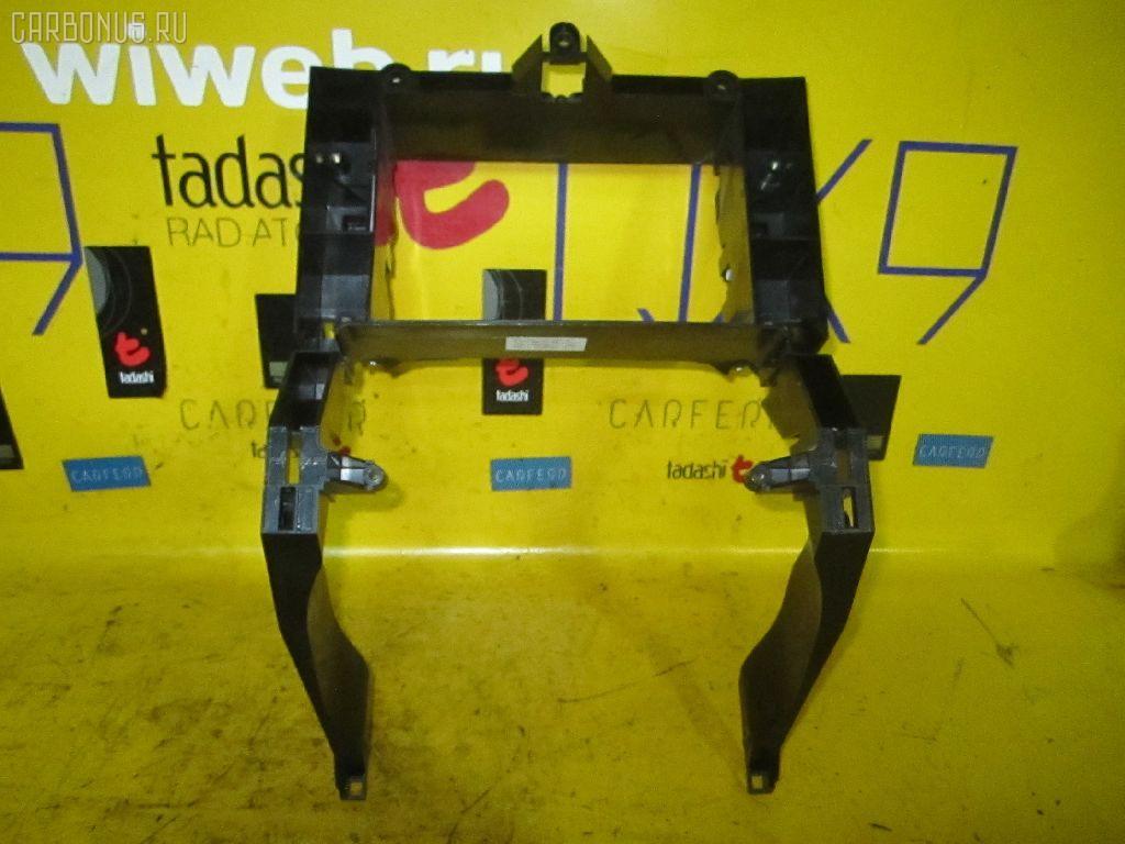 Крепление магнитофона MERCEDES-BENZ E-CLASS W211.070 Фото 1