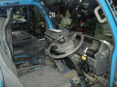 Крепление кабины грузовика ISUZU ELF NHS69E Фото 4