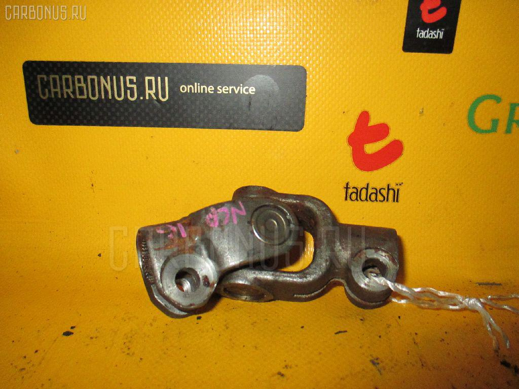 Рулевой карданчик TOYOTA PLATZ SCP11. Фото 8
