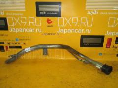 Заливная горловина топливного бака TOYOTA IPSUM SXM10G 3S-FE Фото 2