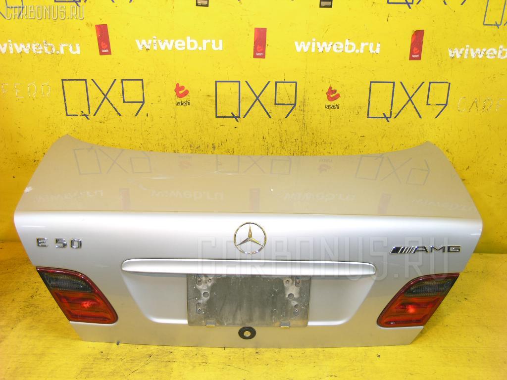 Крышка багажника MERCEDES-BENZ E-CLASS W210.072. Фото 7
