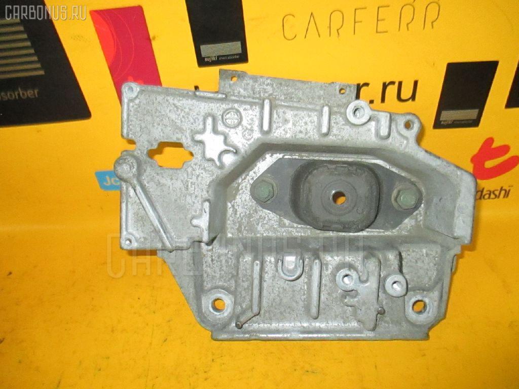 Подушка двигателя NISSAN NOTE E11 HR15DE. Фото 8