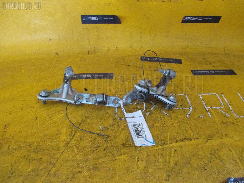 Петля двери шарнирная MERCEDES-BENZ C-CLASS W203.061 Фото 1