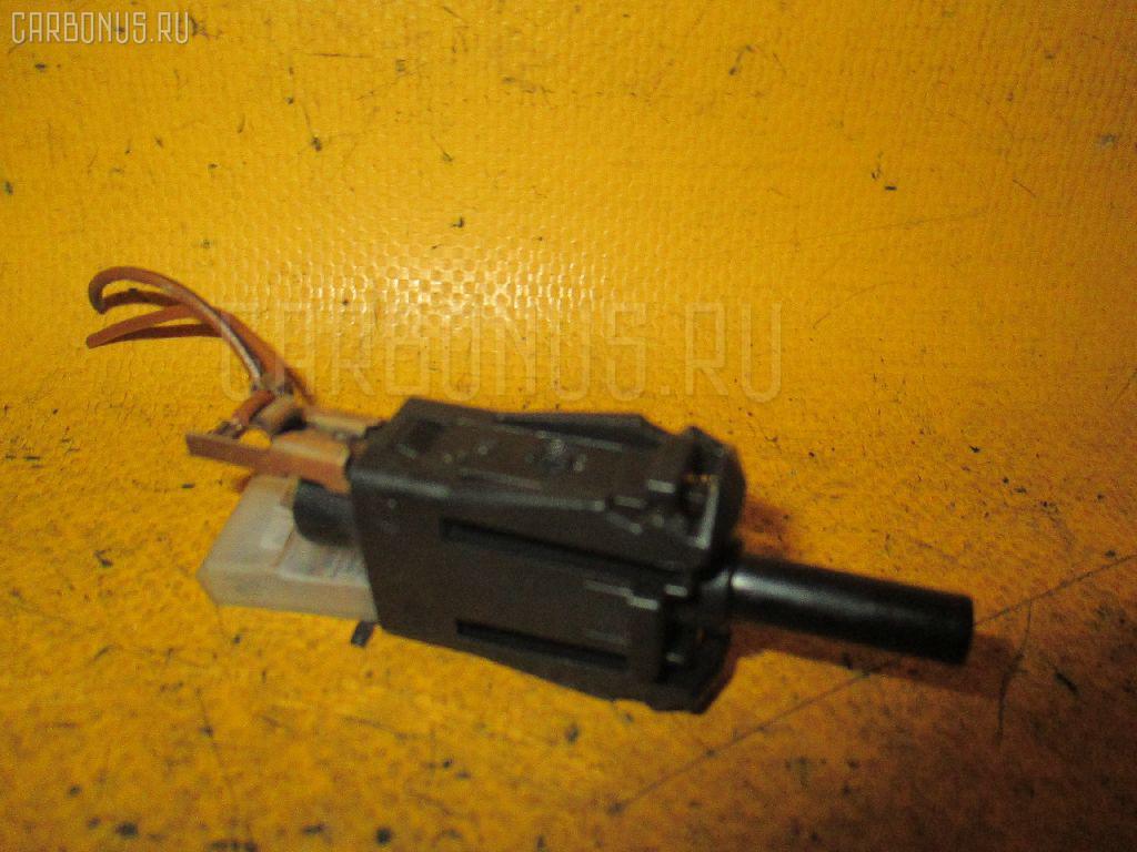 Выключатель концевой MERCEDES-BENZ C-CLASS W202.020 111.941 Фото 1