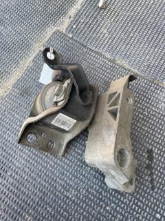 Подушка двигателя на Nissan Note E11 HR15DE Фото 3