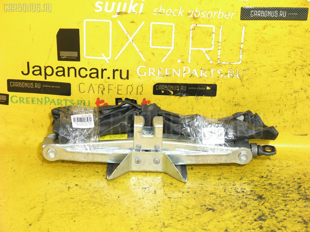Домкрат Toyota Ipsum SXM10G Фото 1
