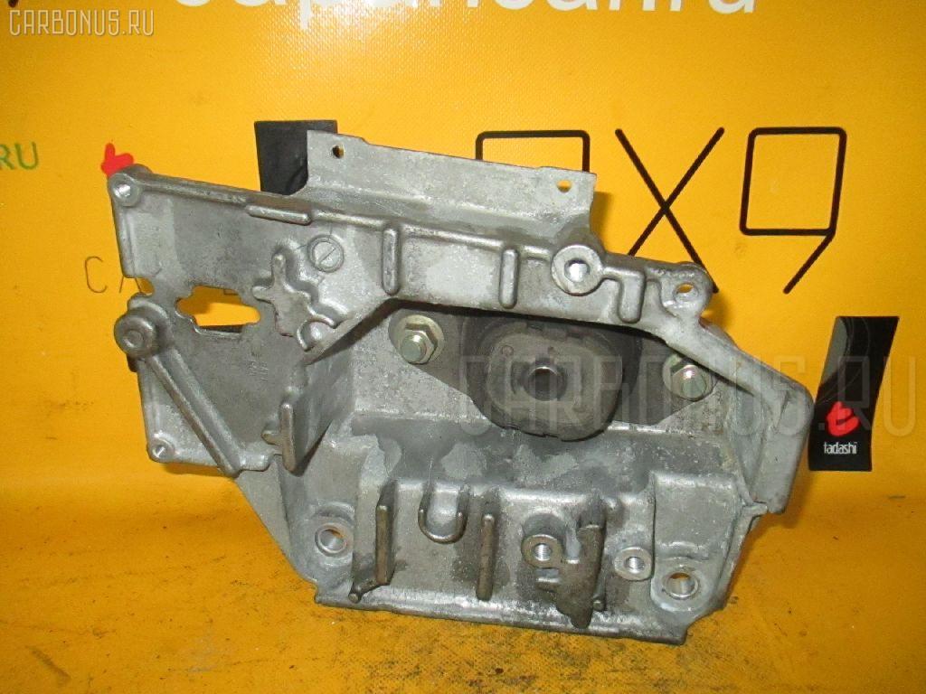 Подушка двигателя NISSAN NOTE E11 HR15DE. Фото 10