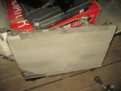 Радиатор ДВС на Toyota Noah AZR60G 1AZ-FSE
