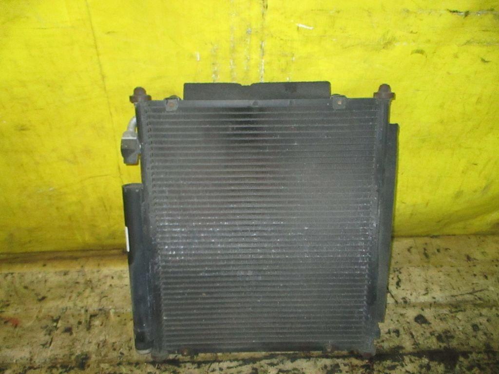 Радиатор кондиционера на Honda Fit GD1 L13A Фото 1